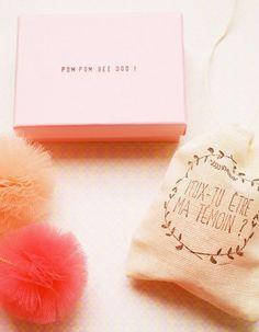 Confier à ses proches la mission d'être témoin à son mariage est toujours un moment émouvant. L'occasion pour la future mariée d'être inventive. Ballons, colliers à pompons ou gâteaux colorés : voici 11 idées pour inspirer les futurs époux. http://www.elle.fr/Love-Sexe/Mon-mec-et-moi/Articles/11-adorables-demandes-de-temoin-de-mariage