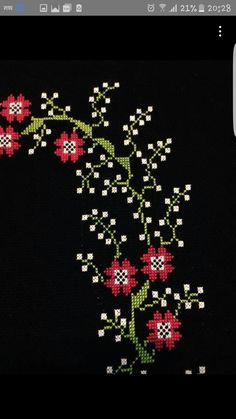 This Pin was discovered by Ünz Cross Stitching, Cross Stitch Embroidery, Embroidery Patterns, Hand Embroidery, Cross Stitch Patterns, Cross Stitch Boards, Cross Stitch Love, Mantel Azul, Welcome Flowers
