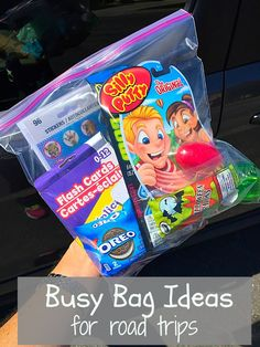 Busy bags to keep kids happy and occupied on road trips. What to pack, and what to do on long trips with kids!!