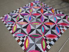 Black and white quilt. fabricsandflowers.blogspot.com by ColorGirlQuilts, via Flickr