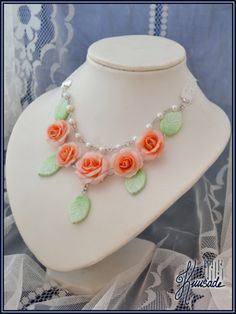 Vintage roses necklace. Handmade from polymer clay, glass pearls and lace