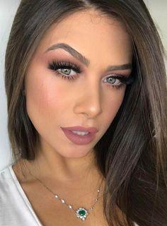 Necklace and hairstyle - cute lips - Summer Make-Up Glam Makeup, Makeup Inspo, Bridal Makeup, Wedding Makeup, Makeup Inspiration, Makeup Tips, Eye Makeup, Hair Makeup, Beauty Make-up