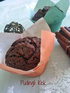 Çay keyfi yanına yada çocuklarınızın beslenme çantasına koymak için şöyle güzel bir Pudingli kek tarifi arıyorsanız doğru yerdesiniz. TIKLAYIN!