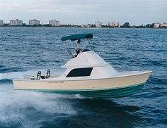 Bertram 31 - Classic! Fast! Fun! #boats #Floridasredeemingquality