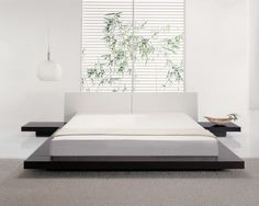 Bedroom,Fascinating Modern Bedroom Design Inspiration With Style Brown Platform Bed And Comfortable White Mattress Also Beautiful White Horizontal Blind On Combined Leaf Ornament,Modern Bedroom Design Low Platform Bed Frame, Modern Platform Bed, Platform Beds, Japanese Bed Frame, Japanese Style Bedroom, Elegant Bedroom Design, Design Bedroom, Deco Zen, Super King Size Bed