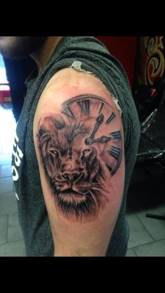 My new lion/clock tattoo. Distinktive tattoo studio Atherton. No meaning or anything, just unique and cool as fuck. #tattoo