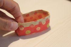 丈夫で簡単!新聞紙で作るゴミ箱(小物入れ)の作り方│conote Diy And Crafts, Coin Purse, Origami, Free, Activities For Kids, Girlfriends, Toilet Paper Crafts, Origami Paper, Origami Art