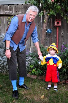 digadig home: Boo! pinocchio and Gepetto costumes