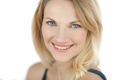 """Actor Linnea Larsdotter in the Essential Collection. Happy Friday and weekend! www.linnealarsdotter.com @stagelinnea    Get your own copy of """"The Business of Headshots for Actors"""". On iTunes and Kindle!  https://itunes.apple.com/us/book/headshot/id873077691?mt=11    Sign up for the Newsletter to get updates, offers and discounts. www.seanturi.com/subscribe   Retouching and printing by TuriLabs. #headshotphotographer  #photography #turilabs"""