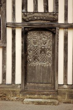 Pickmoss medieval timber house (Oxford, UK) by melva door
