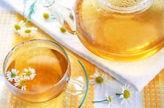 Natural Remedies For Varicose Veins 6 Herbal Home Remedies To Treat Varicose Veins Naturally Herbal Cure, Herbal Remedies, Health Remedies, Herbal Tea, Homeopathic Remedies, Varicose Vein Remedy, Varicose Veins, Natural Medicine, Herbal Medicine