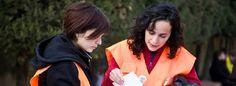 Escolares valencianos que van a clase andando seguros y rápidos / Isaac Altable @eldiarioes | Un proyecto llamado Cien Pies [http://www.cien-pies.es/] crea rutas y acompaña a los pequeños hasta el colegio para promover el transporte sostenible y la educación vial | #socialcities