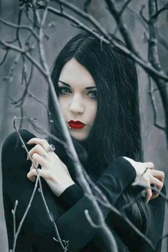 Goth vampire ... Can't stop re~pinning this. I love everything about this pic. Soo beautiful