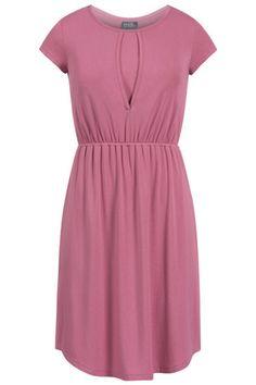 Petal nursing dress with shirt-tail hem {Petal} - milkandbaby.com