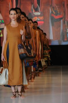 Bridesmaid Dresses, Wedding Dresses, Design, Fashion, Bridesmade Dresses, Bride Dresses, Moda, Bridal Gowns, Fashion Styles