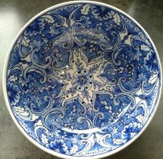 Tesje Handpainted by Marjan Snoep. Antique Portuguese design.