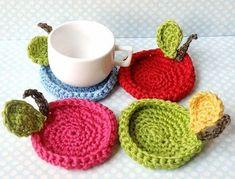 Crochet fruit coasters, Chistmas gift idea, red, green, pink and blue sky crochet apple Crochet Kitchen, Crochet Home, Crochet Gifts, Crochet Doilies, Crochet Yarn, Crochet Designs, Crochet Patterns, Crochet Ideas, Coffee Cozy Pattern
