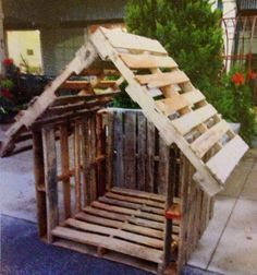 Manger created using pallets