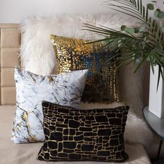 Edie Precious Metals Black and Gold Graphic Polyester 20 in. x 20 in. Throw Pillow – The Home Depot - Modern Black And Gold Living Room, Black Gold Bedroom, White And Gold Decor, Black White Gold, Grey And Gold, Black Decor, Gold Room Decor, Gold Rooms, Living Room Decor Pillows