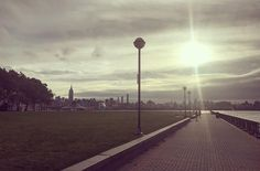 This morning it was back to Hudson River running. But no complaints. #werunhoboken #werunnyc #sunrise #hudsonriver #hudsonriverrunning #hoboken #nyc #manhattan #manhattanviews @hobokennj @cityofhoboken #piera #pierapark #thisisseptember