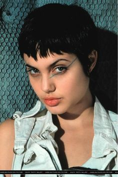 Angelina jolie short curly hairstyle casual everyday hackers movie still promotional 1995 hackers movie still 09 angelina jolie photo urmus Image collections