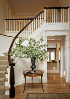 Foyer With Stairs Design, Pictures, Remodel, Decor and Ideas - page 3 Foyer Staircase, Wooden Staircases, Curved Staircase, Stair Railing, Staircase Design, Entry Stairs, Stairways, Staircase Ideas, Wood Stairs