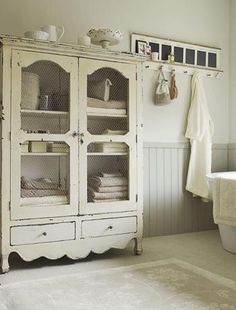 Would love a cabinet similar to this for my bathroom linens since I have no closet.