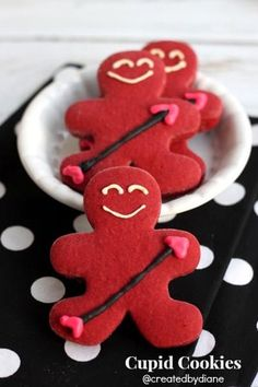 Red Velvet cookies cut into gingerbread boy shape decorated like cupids for Valentine& Day. Valentines Day Food, Valentine Cookies, Valentine Recipes, Diy Valentine, Christmas Cookies, Red Velvet Cookies, Valentine's Day, Holiday Treats, Gingerbread Cookies