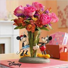 Mickey and Minnie Mouse Vase- I NEED this, so adorable! Disney Home I Disney Decorating I Disney Office I Disney Bedroom Mickey and Minnie Mouse Vase- I NEED this, so adorable! Disney Home I Disney Decorating I Disney Office I Disney Bedroom Mickey Mouse Wedding, Mickey Minnie Mouse, Disney Mickey, Mickey House, Wedding Disney, Casa Disney, Disney Dream, Disney Style, Cozinha Do Mickey Mouse