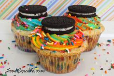 What's better than funfetti cake mix, rainbow frosting, and oreos??! Probably nothing!!