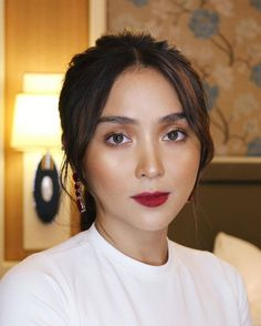 Breaking my ig hiatus with a photo of this beautiful señorita from silver anniversary event 💋 Styled by Hair… Kathryn Bernardo 🌟 Kathryn Bernardo Hairstyle, Kathryn Bernardo Photoshoot, Kathryn Bernardo Outfits, Js Prom, Modern Filipiniana Dress, Filipina Actress, Daniel Padilla, Silver Anniversary, Event Styling