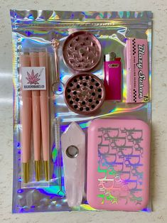 Bad Girl Aesthetic, Pink Aesthetic, Rauch Fotografie, Stoner Gifts, Ganja, Stoner Art, Puff And Pass, Pipes And Bongs, Thug Girl