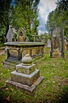 Key Hill Cemetery. AdamGibbs/Flickr Key Hill Cemetery, originally called Birmingham General Cemetery, a Nonconformist cemetery, is the oldest cemetery in Birmingham, England. It opened on 23 May 1836. Located in Hockley, the city's Jewellery Quarter, it is one of two cemeteries there.