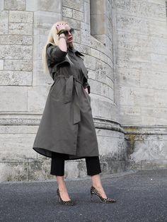 Was ziehe ich im Übergang/ Frühling an ? Ich gebe euch 4 ultimative Tipps, damit wie ihr morgens das richtige Outfit stylt. Hier zeige ich euch meinen Trenchcoat vom Mango. Mehr Inspirationen/ Streetstyles/ Street Style gibt auf meinem Modeblog / Fashionblog Sandra-Levin. #oodt#mode für Frauen#spring #frühjahr#sommer#mantel#jimmy choo# color blocking