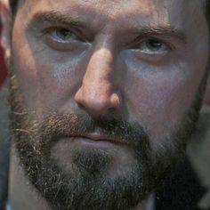 WOW! A good start Sunday! #RichardArmitage