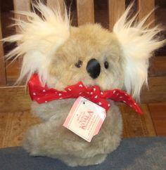 VINTAGE-7-034-1984-Hallmark-Cards-KOKO-Koala-Bear-w-Red-Heart-Bow-amp-HEART-22