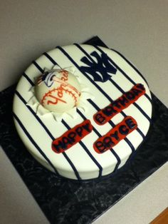 baseball By eunique-cakes on CakeCentral.com