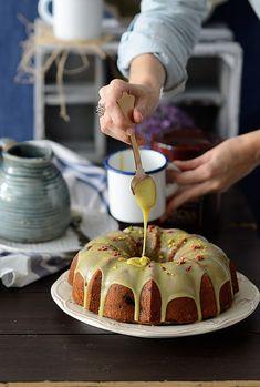 Bundt cake de pistacho y frambuesas | ¡Qué cosa tan dulce! | Bloglovin'