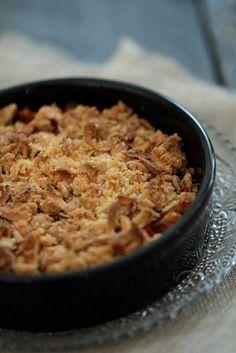 Crumble croustillant à l'abricot , aux flocons d'avoine et aux amandes   On dine chez Nanou