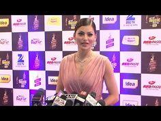 Urvashi Rautela looks GORGEOUS at Mirchi Music Awards 2016.