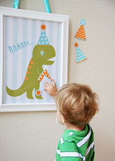 Party Game - Pin the hat on the DInosaur