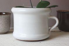 Weißer Blumentopf Keramik Vintage / white ceramic flowerpot / handmade gemarkt mit HGN Decoration, Planters, Mugs, Tableware, Home Decor, Vintage Ceramic, Packaging, Gifts, Decor