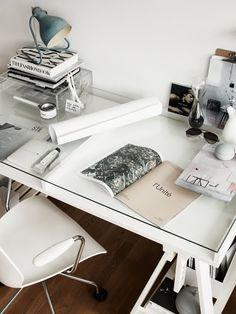 Hitta hem: Arbetsplats i vitt