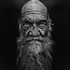 Lee Jeffries' main subject of his photos are homeless people from around the world, which he titles 'Lost Angels'. The subjects of the photo is almost always in the centre, with a… Old Man Portrait, Portrait Art, Lee Jeffries, Black And White Portraits, Black And White Photography, Old Man Face, Black And White Face, Old Faces, Face Photography