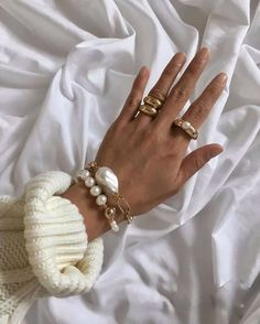 Jewelry Trends, Jewelry Accessories, Fashion Accessories, Jewelry Design, Fashion Jewelry, Trendy Accessories, Designer Jewelry, Cute Jewelry, Pearl Jewelry