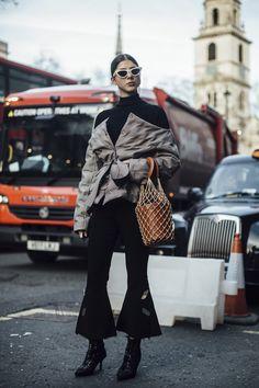 London str RF18 1424 - The Impression