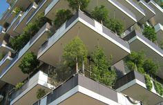 Arquitetura verde - Prédio sustentável com jardim vertical: Bosco Verticale (Milão, Itália);