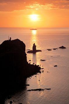 Kamui Cape. Looking for more information aboout Hokkaido? Go Visit Shakotan sightseeing web site.  http://www.kanko-shakotan.jp/