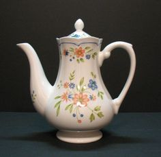 Vintage Federalist Ironstone Coffee Pot with Floral Motif 1960-70s