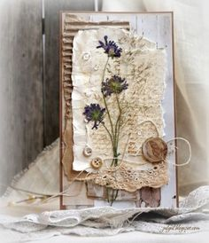 vintage cards and pressed flowers Tarjetas Diy, Shabby Chic Cards, Fabric Journals, Art Journals, Pressed Flower Art, Junk Journal, Handmade Books, Handmade Journals, Mixed Media Collage